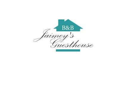 Bed & Breakfast Jaimey's Guesthouse - Ház