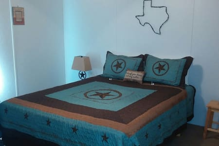 Texas Hill Country Boerne / Luckenbach Suite - Boerne - Casa de hóspedes