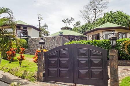 Lake View Villa, 2 Casitas + Pool - Tilaran - House
