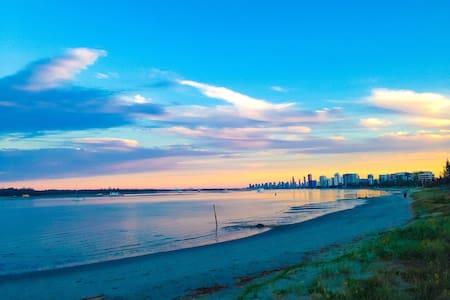 Chill & Relax , beachy lifestyle - Labrador