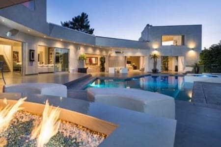 Beverly Hills house #private and spectacular - ビバリー·ヒルズ - 別荘