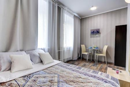 Апартаменты рядом с Невским на Радищева 18. - Sankt-Peterburg - Wohnung