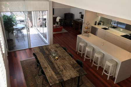 1 bedroom house Centennial Park - House