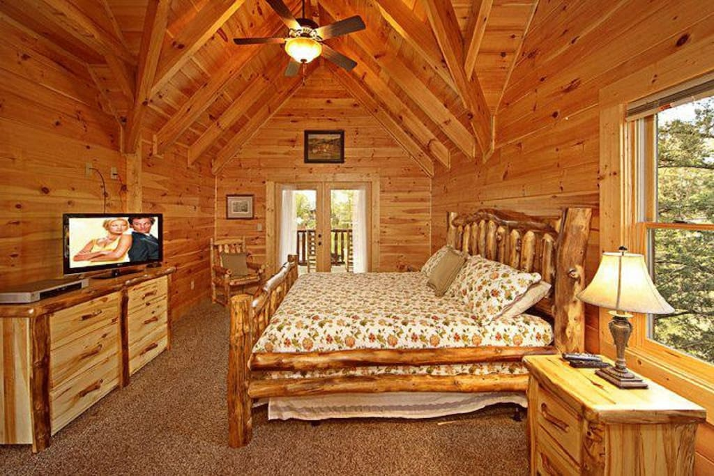 3 Bedroom Suites Theater Hot Tub Pool Wifi Cabins For Rent In Pigeon Forge