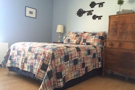 Picture of Private Bedroom- Downtown Stamford