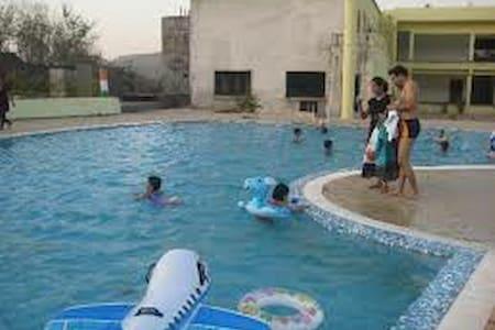 2BHK Duplex Bungalow with Swimming Pool,Rain dance - Karjat - (ukendt)