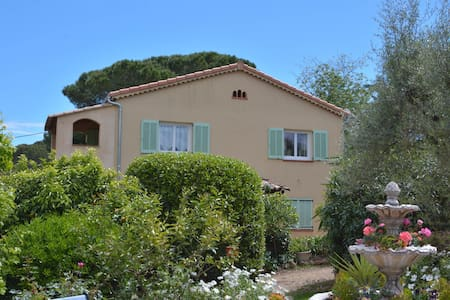 Nice 3 rooms, very quiet, 200 m from Garoupe beach - Antibes - Lejlighed