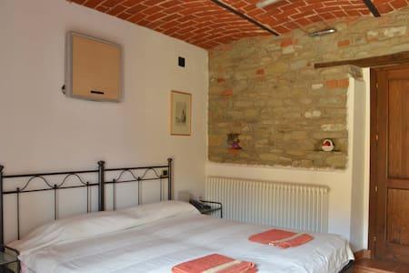 B&B Isabella una camera spaziosa con il balcone - Bed & Breakfast