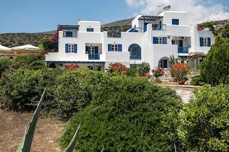 New listing! Aloe Paros Room for 3 people - Drios - Huis