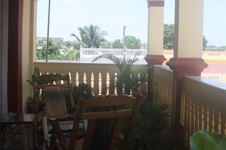 Casa Colonial en el centro - Casa