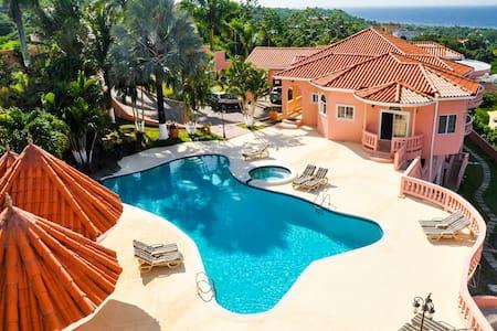 Luxury Villas near the ocean, full kitchen/private - Villa