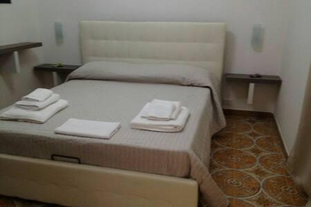 SABIR B&B doppia con bagno privato - Inap sarapan