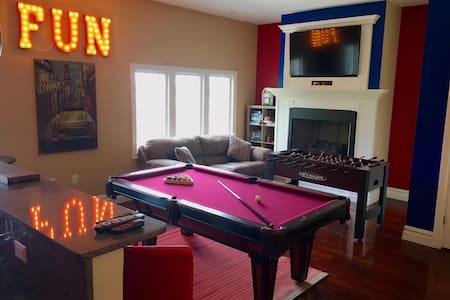 15 Minutes to TIMES SQUARE-HOME THEATER & GAMEROOM - Apartamento