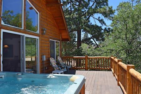 Autumn Bliss: Hot Tub! Slope VIews! Pool Table! - Lakás