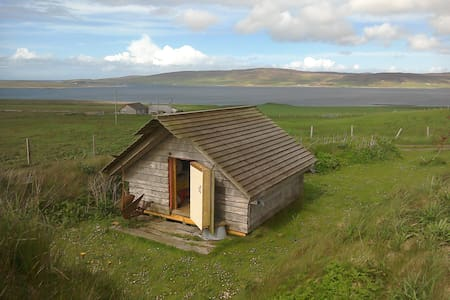 Orkney Camping hut sleeps two. - Hut