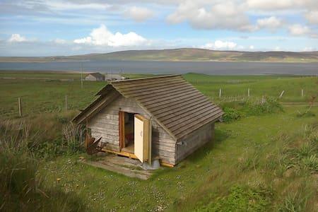 Orkney Camping hut sleeps two. - Choza