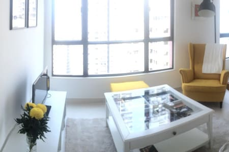 Large one-bed apartment in SYP - Hong Kong - Apartment