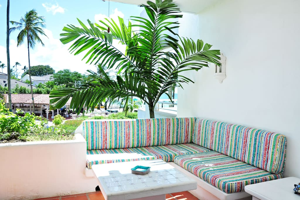Glitter Bay Estate 202-Serenity - Comfortable patio furniture. The patio looks out to the pool area