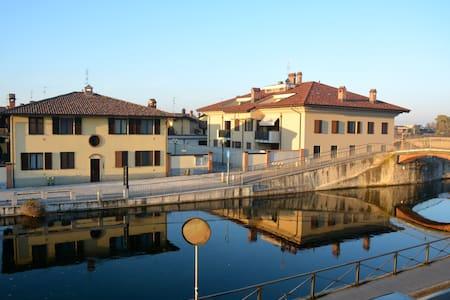 Confortevole casa sul canale - Gaggiano - Apartemen