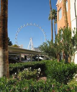 Christmas 1br Condo 1 block Las Vegas strip - Las Vegas