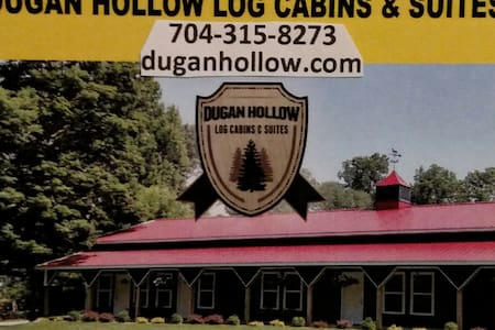 Dugan Hollow Log Cabins & Suites 5 minutes to town - Madison - Apartamento