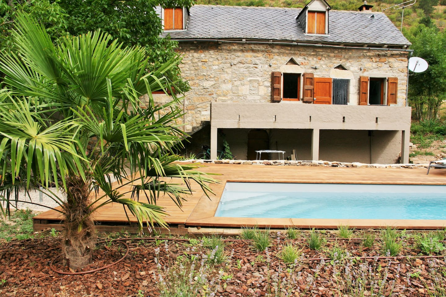 Gorges du tarn, heated swimmingpool   houses for rent in quézac