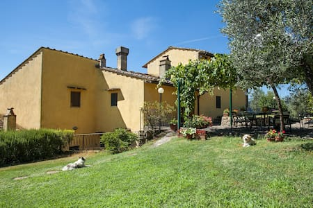 Charming Country House nr Florence - Le Corti
