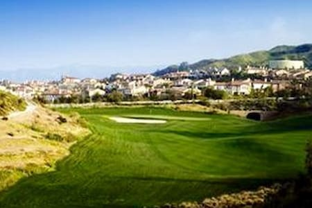 Huge home @TPC Valencia panoramic golf course view - Hus
