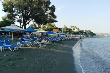 Вилла рядом с пляжем Governos beach - Ház