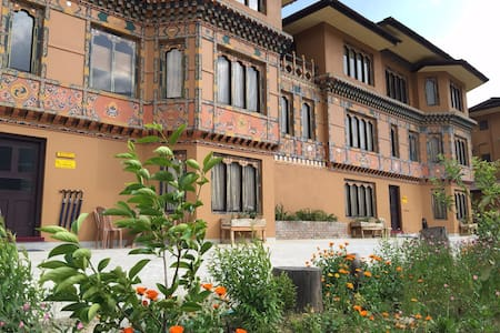 Triplex with 8 rooms - Thimphu - Appartement