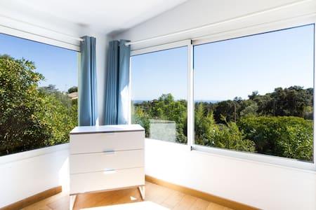 Appartement avec cuisine en extérieur non couverte - Daire
