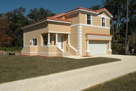 New (2016) 3BR Villa at TradeWinds Marina (162) - Villa