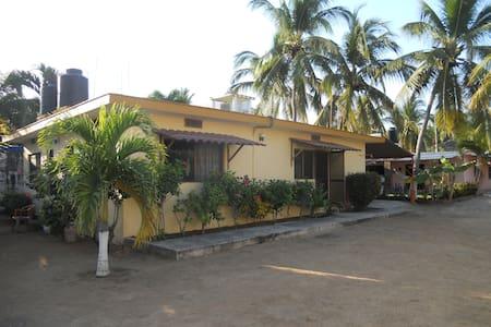 Excelente casa para ti, en San Patricio Melaque - Huis