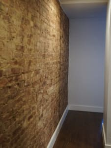 Freshly renovated one bedroom on a 4 floor walk up. Exposed brick, all new appliances, wonderful light,  Three blocks away from the Subway A,C, and 1.  Everything blocks away. Pet and smoke free apartment. Available 8th Dec to the 28th Dec