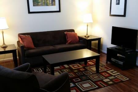 Condo @ Historic Duke Tower - Appartement