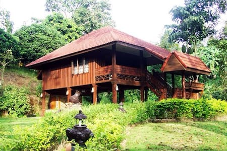 Absolute Thai Hillside Villa(2 BR) - Tambon Sop Poeng - Hytte (i sveitsisk stil)
