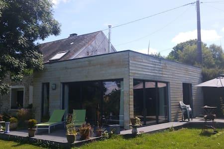 pierre et bois - House