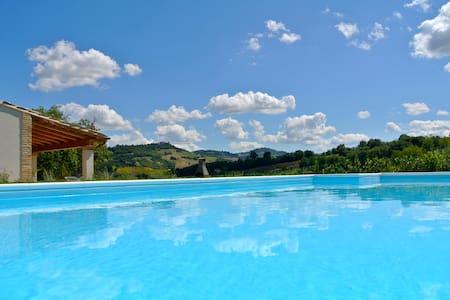 Villa con piscina esclusiva - Servigliano - Villa