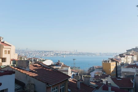 Room with sea view balcony, Taksim! - Beyoğlu - Byhus
