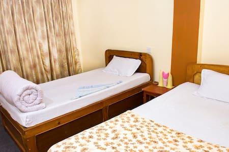 Nagarkot Bed & Breakfast - Nagarkot - Bed & Breakfast
