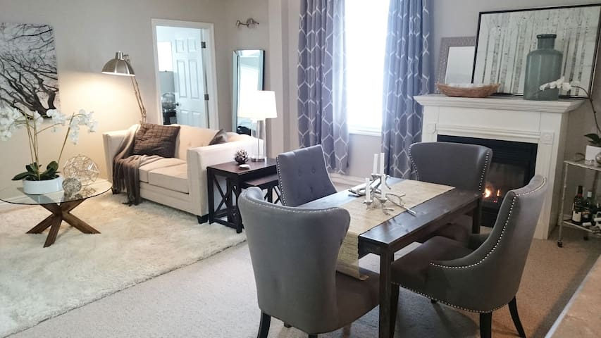 Stylish Apartment In Charming Port Hope Apartments For