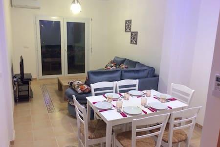 Appartement F2 résidence,piscine - Saïdia - Wohnung