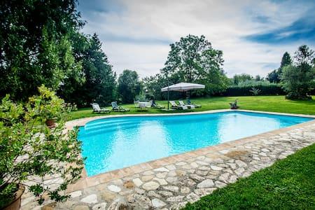 The house Elves near Rome and lake - Manziana - Villa