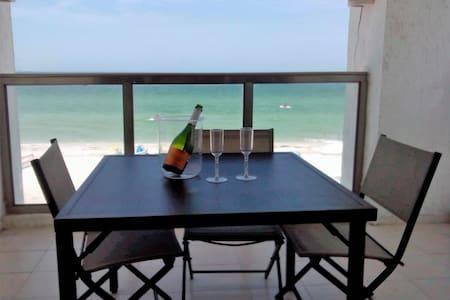 Beautiful Ocean Front Apartment - Progreso