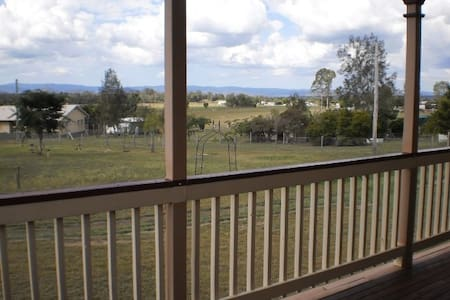 Quiet, pet friendly, country home 2 - Bed & Breakfast