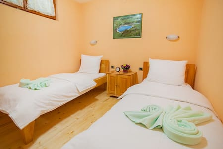 Gacka - Room with a Lovely View 3 - Mojkovac - Bed & Breakfast