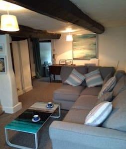 Cute 2 bedroom cottage,wifi+garden,nr beach, town. - Newton Poppleford - Huis