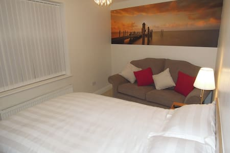 Luxurious, 3 bed, 9 person Liverpool Apartment - Liverpool