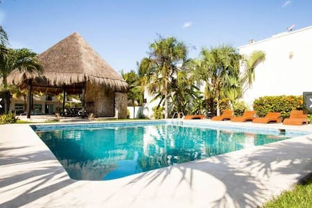Brand New House w/pool 7 min. beach - Playa del Carmen - Huis