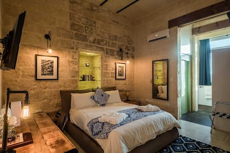 Lascaris Suite - Stunning Grand Harbour Malta - Bed & Breakfast
